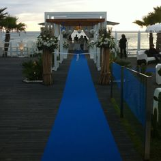 I would want a lighter, dustier blue runner for my wedding
