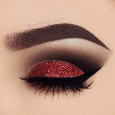 Red and black combination is in every sense very effective, attractive and brave. If you have brown eyes, you can feel free to take this makeup.