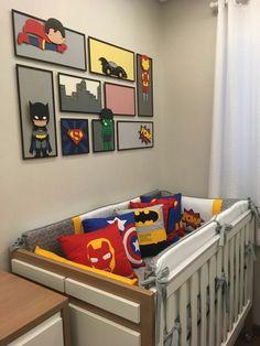 Projeto quarto de bebê tema Heróis. Decoração, quadros, painel, kit berço tudo temático para garantir um quarto divertido, colorido e moderno.  Capitão América, Batman, Hulk, Super Man, Homem de Ferro, Homem Aranha e Thor. Marvel