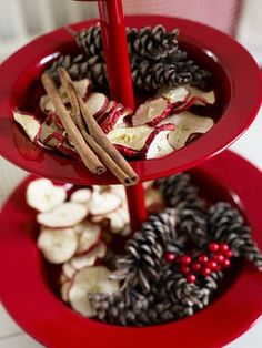 Dishfunctional Designs: Vibrant Red For Christmas Merry Christmas And Happy New Year, All Things Christmas, Christmas Home, Christmas Crafts, Christmas Ideas, Holiday Ideas, Xmas, Diy Party Decorations, Christmas Decorations