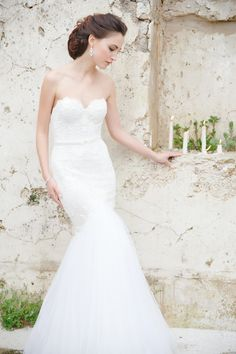 Inbal Dror wedding dress Claire Graham Photography | see more on: http://burnettsboards.com/2014/09/elegant-amalfi-coast-wedding-inspiration/