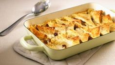 Traditional English Bread and butter pudding recipe - BBC Food Pudding Recipes, Dessert Recipes, Pudding Corn, Suet Pudding, Biscuit Pudding, Pudding Pies, Pudding Desserts, Chia Pudding, Lunch Recipes