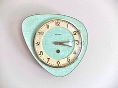 French BEBOZ Formica wall clock - mid century Vintage French BEBOZ Formica wall clock by lestrictmaximumFrench French (French: Français(e)) may refer to: Vintage Design, Retro Design, Vintage Decor, Vintage Clocks, French Vintage, Retro Vintage, Vintage Kitchen, Deco Retro, Cool Clocks
