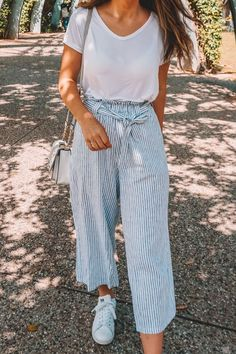 Stylish Travel Attire (Featuring The Most Comfortable Pants Ever - style - Moda World Day Date Outfits, Fall Outfits, White Outfits, Spring Outfits Travel, Best Outfits, Summer Cruise Outfits, Woman Outfits, Party Outfits, Disney Outfits