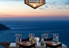 Do you want to take part in this #romantic #wedding #dinner with this stunning view?