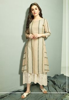 You will be confident to make a impressive fashion statement with this off white cotton party wear kurti. The print work appears chic and ideal for party. (Slight variation in color, fabric & work is . Men's Fashion, Fashion Week, Indian Fashion, Fashion Trends, Fashion Designer, Indian Designer Wear, Kurti Patterns, Dress Patterns, Kurti Sleeves Design