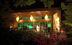 Wow, was für eine romantische #Location im Grünen - einmalig für zauberschöne Hochzeitsfeiern!