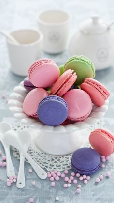 Yummy Treats, Delicious Desserts, Sweet Treats, Cupcakes, Cupcake Cakes, Macaron Cookies, Macaron Cake, French Macaroons, Pink Macaroons