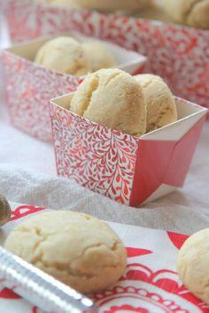 The Way to My Family's Heart: Swedish Dream Cookies {Dromkakor}