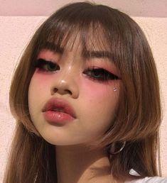 Edgy Makeup, Grunge Makeup, Makeup Inspo, Makeup Art, Makeup Inspiration, Beauty Makeup, Hair Makeup, Pastel Goth Makeup, Cute Makeup Looks