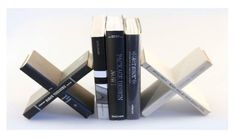 Book bookends by Daniel Ballou. #plocomiUpcycle