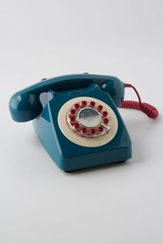 Vintage-style rotary phone #product_design