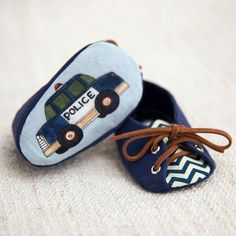 Adorable police baby shoes perfect for baby showers, weddings, or as a gift. This style comes in sizes 3-6 months and 6-9 months.