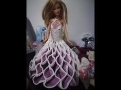 YouTube Crochet Barbie Clothes, Barbie Dress, Diy And Crafts, Dolls, Knitting, Youtube, Dresses, Ideas, Fashion