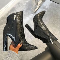 Ladies Short Boots Leather Boots Snow Boots Goth Boots Women'S Fold Over Ankle Boots Bass Waterproof Boots White Ankle Boots, Leather Ankle Boots, Heeled Boots, White Heels, Boots With Heels, Boot Heels, Dr Shoes, Cute Shoes, Shoes Sneakers