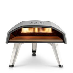 Ooni Koda is a portable pizza oven that fires out five-star quality pizzas in 60 seconds flat! The super compact oven features an insulated steel shell for optimum heat retention, and instant gas ignition, firing up to a whoppin Design Shop, Futuristisches Design, Design Ideas, Patio Design, Fire Cooking, Outdoor Cooking, Outdoor Kitchens, Four A Pizza Gaz, Pizza Ovens