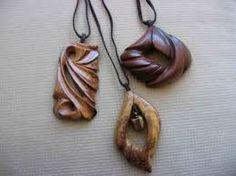 Картинки по запросу деревянные украшения своими руками