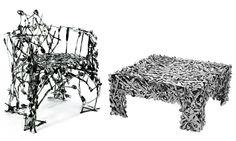 Cosa fare con le #posate? Una provocatoria #poltroncina (ma quanto sarà comoda?) è l'originale proposta di Osian Batyka-Williams, da abbinare magari con il tavolino basso di Toni Grilo.  #RicicloCreativo su @marraiafura
