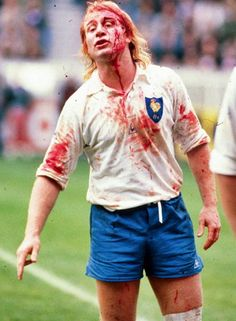 A bloody Jean Pierre Rives Rugby League, Rugby Players, France Rugby, International Rugby, Rugby Sport, My Childhood Memories, Football, Sports, Photos
