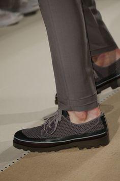 Valentino Spring 2017 Menswear Fashion Show Details Man Shoes, Shoes Sneakers, Valentino Shoes, Valentino Men, Mens Fashion Shoes, Shoes 2017, Shoe Collection, Loafer, Fashion Show