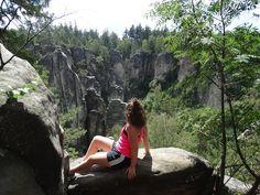 Prachovské skály jsou nádherným místem pro strávení vašeho dne. V dnešním článku se můžete těšit na fotky z našeho výletu do Prachovských skal ale také na tipy, jakou vyhlídku nevynechat a jakou trasou se vydat. #prachovskéskály #travel #traveling #trip #tips #nature #photography #hike #sport #fitness #travelinspiration #czechrepublic #blog #blogger #czech #kamnavylet #cestování #vylet #tipynavylety #levnécestování #vyletprachovskéskály #dovolená #aktvinídovolená #inspiracenavylety…