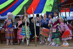 Dù che, nhà bạt trong Ngày hội khơi nguồn bản sắc tại Đak Nông