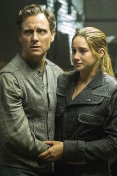 Tris and Andrew. They both look so worried :'(
