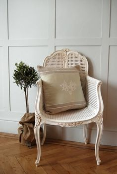 Vintage chair in nude