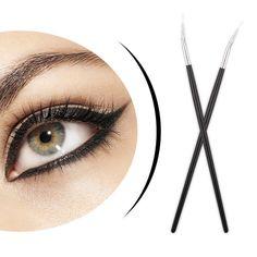 Eye Brushes, It Cosmetics Brushes, Makeup Cosmetics, Makeup Brushes, Eyeliner Brush, Lip Brush, Beauty Makeup, Eye Makeup, Styling Brush