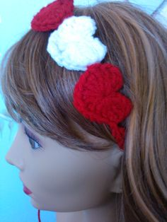 Crochet Heart Headband.    Youtube tutorial here:  http://youtu.be/8ZQmGvsJALQ