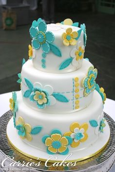 Teal and yellow fondant button cake- This is super cute Gorgeous Cakes, Pretty Cakes, Cute Cakes, Amazing Cakes, Button Cake, Big Cakes, Fancy Cakes, Fondant Cakes, Cupcake Cakes