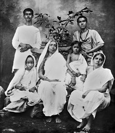 Vedanta Society of So. Famous Pictures, God Pictures, Rare Pictures, Indian Saints, Saints Of India, Mother Kali, Divine Mother, Kali Mata, Expressions Photography