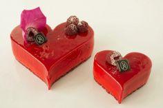 2014 - Eric Kayser. Mousse framboise et hibiscus, d'un crumble croquant à la pistache et de mousse mascarpone à la vanille Bourbon – 10€