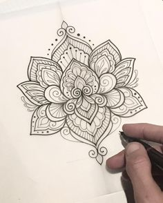 Lotus mandala tattoo - 40 Simple Mandala Art Pattern And Designs – Lotus mandala tattoo Mandala Tattoo Design, Mandala Art, Lotus Mandala Tattoo, Mandala Rose, Tattoos Mandala, Tattoos Geometric, Flower Tattoos, Tattoo Designs, Lotus Mandala Design