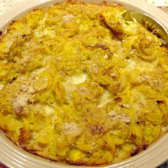 This is a tried and true southern recipe that can be modified by adding meat or rice to it to make it a meal by itself. Chicken or turkey can be added to it, so bring on the leftovers. My daughter lov (Squash Recipes Side Dishes) Casserole Dishes, Casserole Recipes, Quiche Recipes, Southern Squash Casserole, Easy Squash Casserole, Squash Cassarole, Yellow Squash Casserole, Pioneer Woman Squash Casserole, Paula Deen Squash Casserole