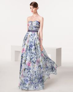 Print wedding dress. Yeeeessss to this print. This would be perfect for a spring wedding! From Aire Barcelona 2015.
