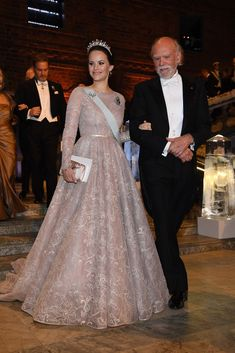 The Best Royal Dresses Ever Worn - Livingly Wearing All Black, All Black Outfit, Royal Dresses, Nice Dresses, Banquet, Princess Sofia Of Sweden, Princess Sofia Dress, Royal Princess, Prinz Carl Philip