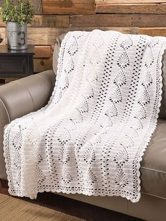 Pineapple Crochet Blanket Pattern PDF Popular and trendy crochet patterns! These graceful crochet blankets will fit as well in a modern as in a classic interior design and will give your living or bedroom a romantic touch. Annie's Crochet, Manta Crochet, Crochet World, Filet Crochet, Pineapple Crochet, Pineapple Pattern, Afghan Crochet Patterns, Stitch Patterns, Blanket Crochet