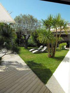 Ile de Ré rental: superb family home - Garden Landscape Design, Garden Landscaping, Coastal Gardens, Photo Location, Outdoor Gardens, House Design, Patio, Architecture, Plants