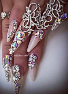 @nails_by_annabel_m on IG Gorgeous rhinestone nails