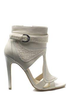 $653 NIB Gorgeous! CAMILLA SKOVGAARD Open Toe Booties sz 39, Ivory #CAMILLASKOVGAARD #FashionAnkle