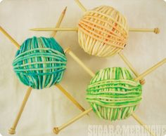Cupcakes - Having a gathering for someone who likes to knit or crochet? They with be thrilled with these Yarn Ball Cupcakes Love Cupcakes, Yummy Cupcakes, Cupcake Cookies, Edible Cookies, Decorated Cupcakes, Party Cupcakes, Cupcake Wars, Themed Cupcakes, Cakepops