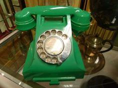 Bakelite vintage phone