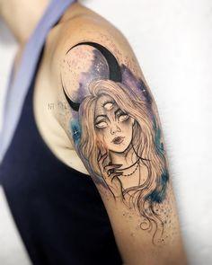 Tatuagem criada pela tatuadora Nathália Tattoo (nathaliatattoo) de Belo Horizonte, MG. Clique e saiba mais sobre essa artista incrível e conheça outros trabalhos dela no Tattoo2me. #colorido #tattoo #tatuagem #art #arte Wicked Tattoos, Creepy Tattoos, Body Art Tattoos, Sleeve Tattoos, Alien Tattoo, Unique Tattoos, Beautiful Tattoos, Cool Tattoos, Tatoos