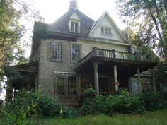 abandoned old house in Maryland.