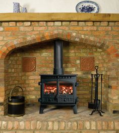 Hunter Herald 8 Multifuel / Woodburning Stove 2 Door Quality Stoves Tenterfields Business Park Luddendenfoot Halifax HX2 6EQ West Yorkshire 01422 845069