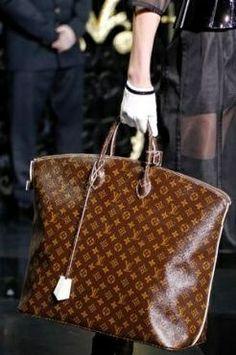 8e17d0942633 248 Louis Vuitton Winter 2011 Handbags. Louis Vuitton Monogram