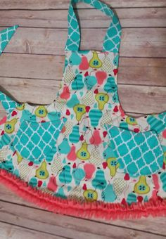 Girls Apron - Pears by SunshineChloeCrafts on Etsy https://www.etsy.com/listing/258166571/girls-apron-pears