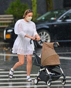 Celebrity Moms, Celebrity Style, Chloe Sevigny Style, Pretty White Dresses, Frilly Dresses, Pregnancy Wardrobe, Mom Dress, Mom Style, Street Style