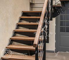Лестница Южные горки - лестница из массива дерева ясеня на металлокаркасе. Лестница в стиле Лофт на второй этаж в частном доме. #hardmassive #лестницавдоме #лестница #лестницадеревянная #лестницадизайн #лестницалофт #лестницавторойэтаж #Staircasehouse #stairs #woodenstaircase #stairsdesign #stairLoft